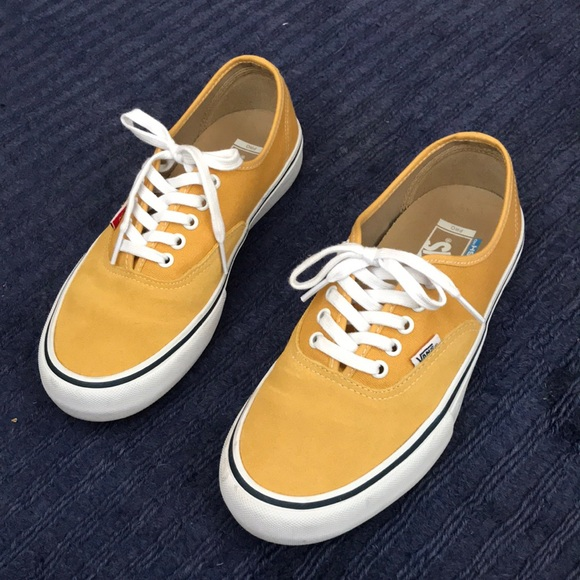 f8a77421f30895 Authentic Pro - Mustard Yellow. M 5b07105236b9de1837447d3c